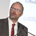 The actor, Robert Llewellyn, MC of the Awards Dinner